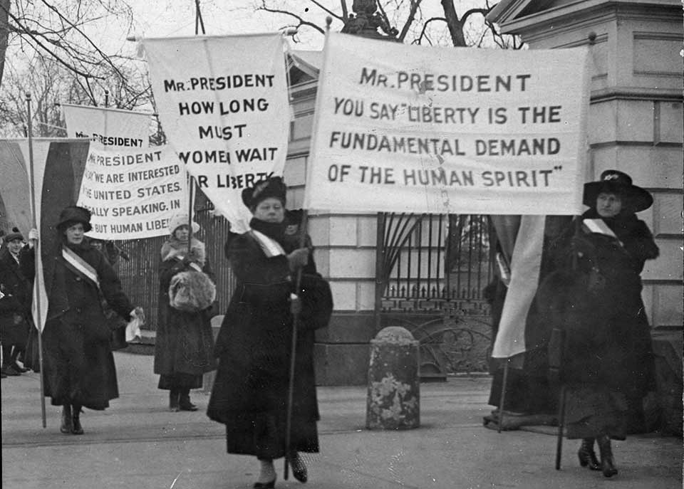 Suffrage supporters picketing the White House